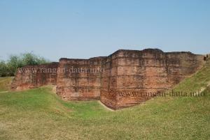 Stupendious walls of Ballal Dhipi