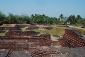 Scattered Ruins of Ballal Dhipi