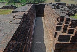 Passageway inside Ballal Dhipi