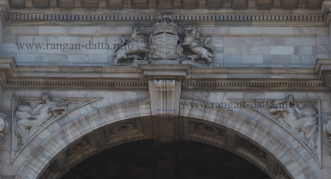 Closeup of Victoria Memorial Arch