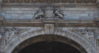 Closeup of Victoria Memorial Arch