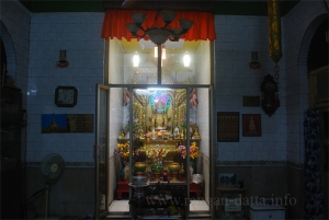 Inside Myanmar (Burma) Buddhist Temple, Kolkata (Calcutta)