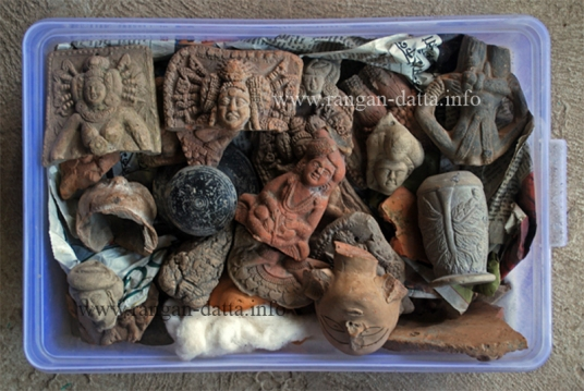 Asad uj Jamans's collection of Chandraketugarh Artifacts
