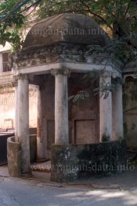 Robertson Monument, North Park Street Cemetery, Calcutta (Kolkata)