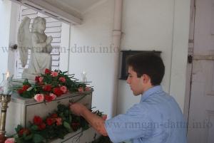 Placing of flowers on Armenian Genocide Memorial
