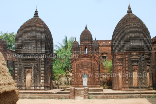 Sribati Temple Complex (Left: Bishwashwar, Centre: Bholanath Right: Chandaneshwar)
