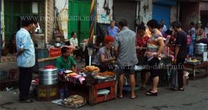 Chinese Breakfast, Old Chinatown (Tiretta Bazar), Calcutta (Kolkata) (File Phot)