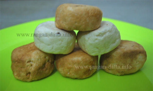 Bandel Cheese, Plain (White) and Smoked (Brown)