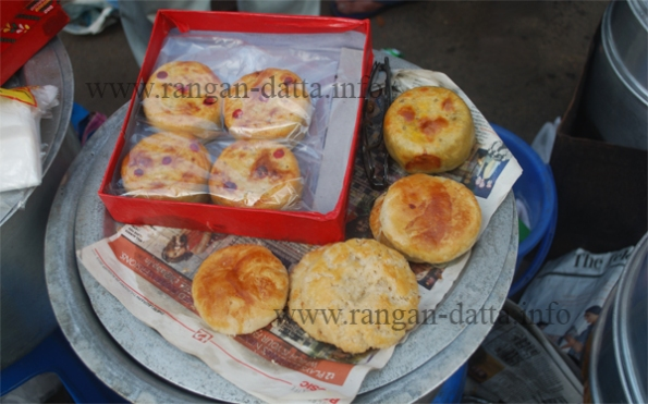 Moon Cakes being sold at Tiretta Bazar (Old Chinatown) Calcutta (Kolkata)