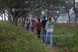 Through the Calcutta Maidan