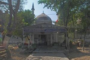 Maulana Azad's Father's Grave