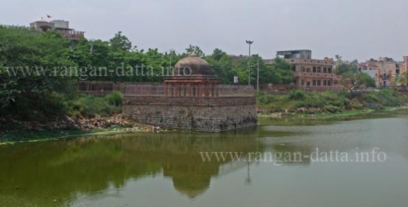 Hauz - i - Shamsi, Mehrauli, Delhi