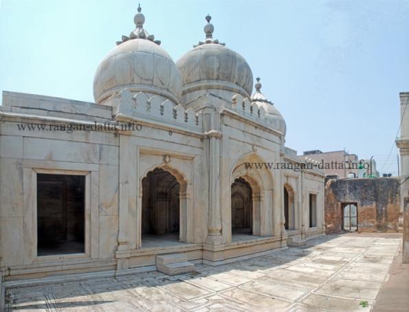 Moti Masjid (Pearl Mosque), Zafar Mahal, Mehruli, Delhi