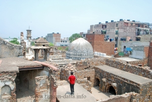 Scattered ruins of Zafar Mahal
