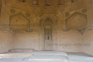 Inside Azim Khan's Tomb