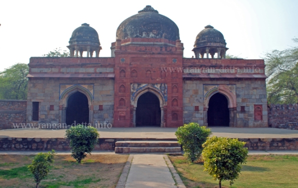 Mosque at Isa Khan's Tomb Complex, Humayun's Tomb Complex