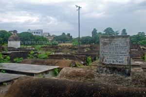 Scattered graves Jewish Cemetery, Kolkata (Calcutta)