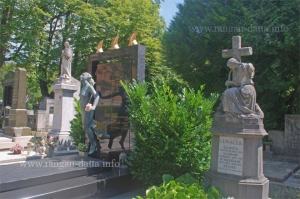 Scattered Graves, Mirogoj Cemetery, Zagreb