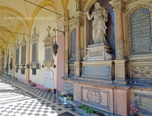 Decorative graves along the arcade, Mirogoj Cemetery