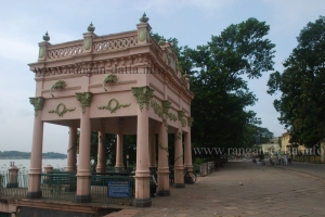 Durgacharan Rakshit Ghat, Chandanagar Strand