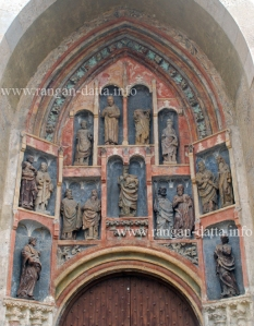 Statues on the niches, St. Mark's Church, Zagreb
