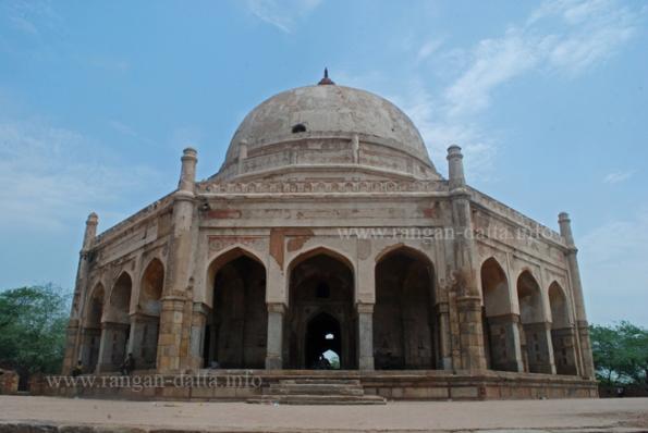 Adam Khan's Tomb, Memhrauli, Delhi