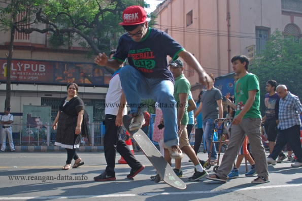 Skate Board Stunts, Happy Street, Park Street