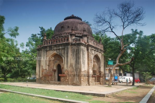 Lodi Period Tomb, Lado Sarai, Delhi