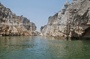 Into the gorge, Marble Rocks, Bhedaghat, Jabalpur, MP