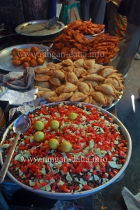 Ghugni and Bhajis, Ramzan (Ramadan) Food Street