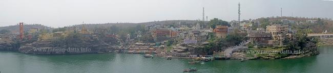 South bank of Narmada, as viewed from the Omkareshwar Mahadev Temple