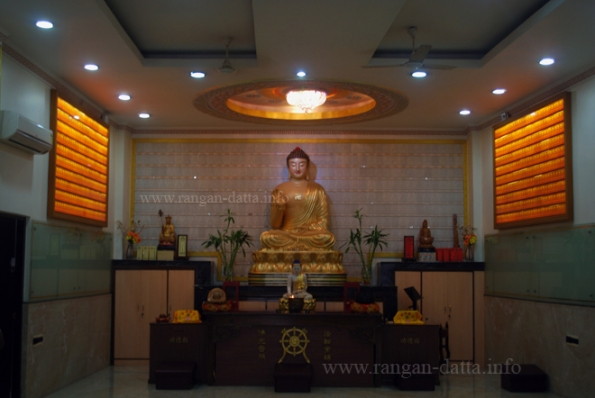 Giant Buddha Statue, at the Fo Guang Shan Buddhist Temple, Tangra (New Chinatown), Kolkata