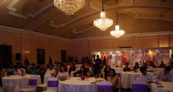 Captivating audience, Ball Room, Oberoi Grand, Kolkata, Berger Express Painting IndiBlogger Meet, Kolkata