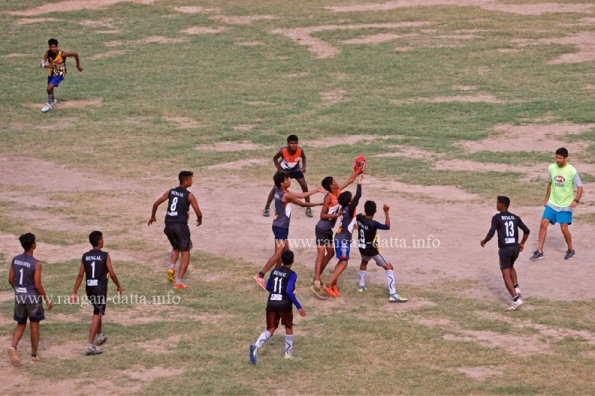 Attempting a Mark. Gitanjali Stadium, Kolkata. Australian Rules Football