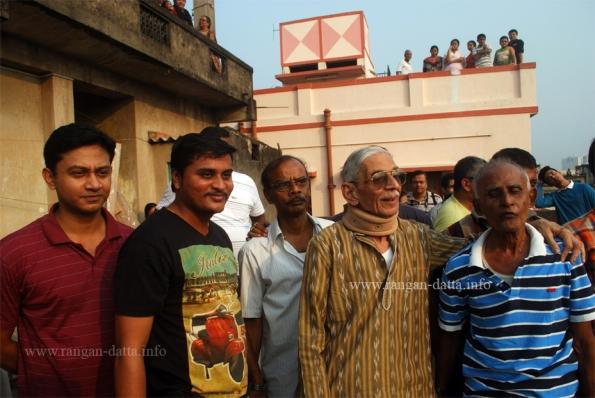 Fanush Makers L - R: Rajat Mallick, Kawtuk Jaiswal, Deepak Dutta, Dipen Bandyopadhyay and Sachin Mukherjee