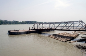 Jetty at Bichali Ghat, Metiabruz