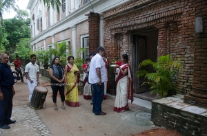 A grand welcome at The Rajbari Bawali