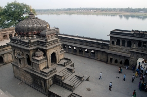 Vithoji Rao,s Cenotaph, with River Narmada, Maheshwar Fort, MP