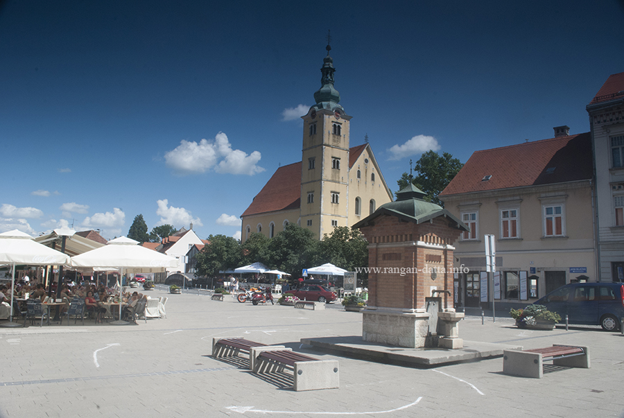 King Tomislav Square, with the Anastasia Church in the background, Samobor, Croatia