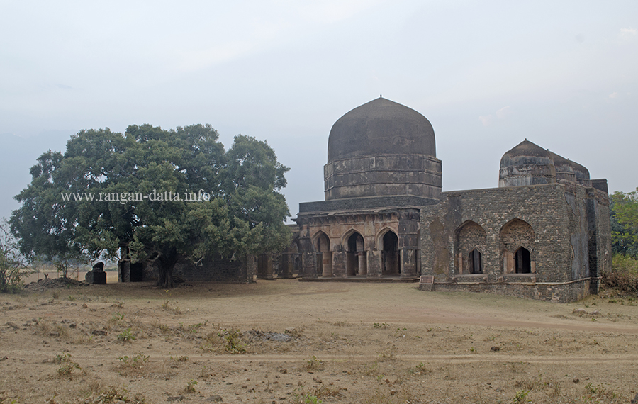 Hati Mahal or Hati Paga Mahal and the Mosque on the right, Mandu, Madhya Pradesh (MP)