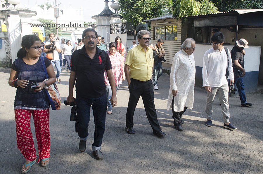 Participants at the Bengali Literary Heritage Bus Tour