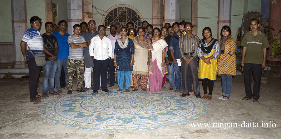 Mentors and participants of the Fanush making workshop at Bholanath Dham