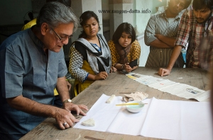 Participants learn the art of Fanush making at the workshop