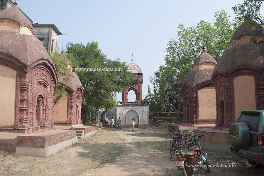 Temple Complex with Dol Mancha, in front of Baithakkhana Amadpur, Amadpur, Memaari