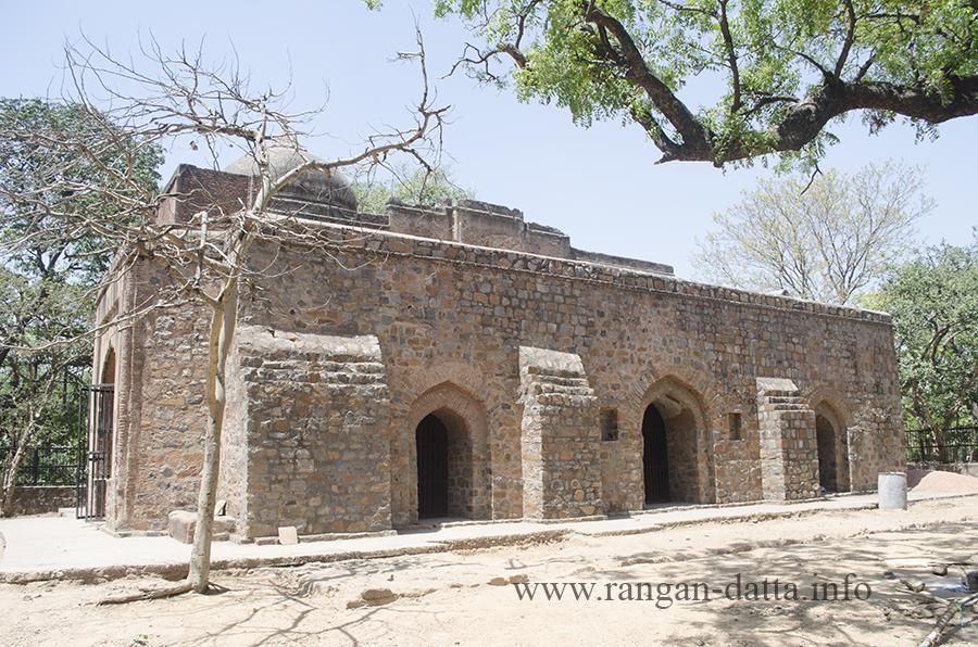 Chauburja Mosque, Kamala Nehru Ridge (North Ridge), Delhi