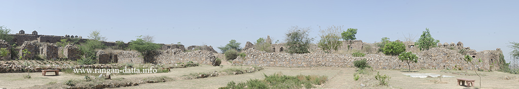 Panoramic views of the interiors of Adilabad Fort, Delhi