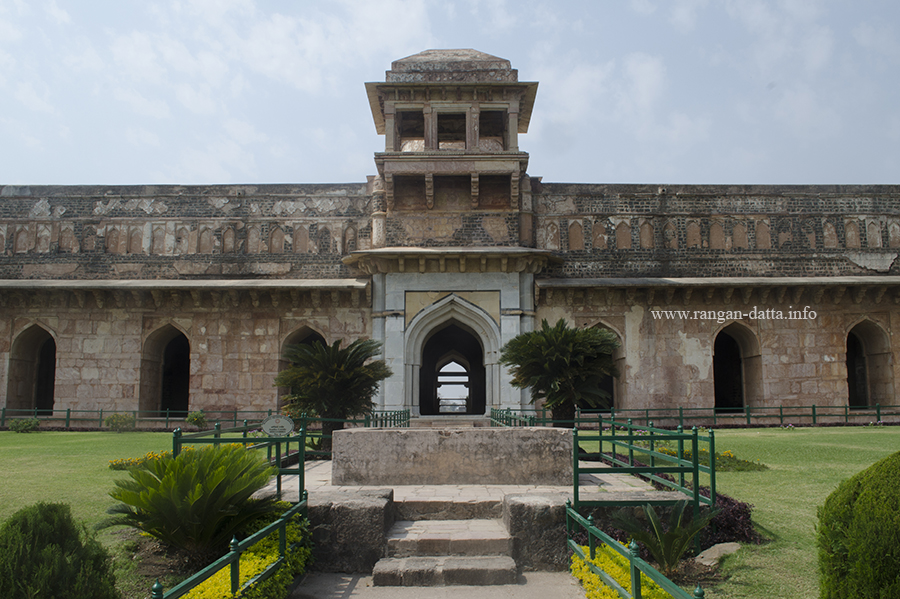 Marble arched entrance, eastern side of Jahaz Mahal, Mandu, Madhya Pradesh (MP)