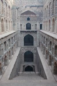 Perfect lines of symmetry, Agrasen ki Baoli, Delhi