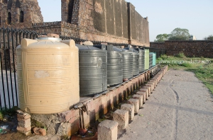 Tanks, along Jami Masjid, for ritual wash