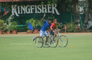 Tryinga back hit, Cycle Polo, CC&FC